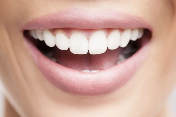 This trick will help you to get  white teeth!