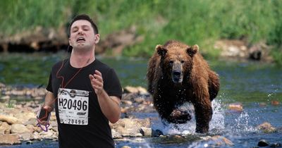 The internet is having a lot of fun with this marathon runner's photo