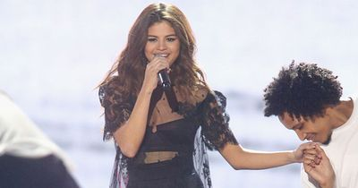 Selena Gomez took a fan's phone right out of their hands and what she did next will amaze you
