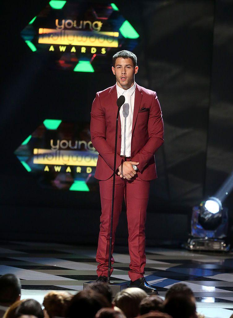 Nick Jonas got an accidental boner at an awards show and it was awkward....
