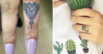 These finger tattoos are SO hot right now!
