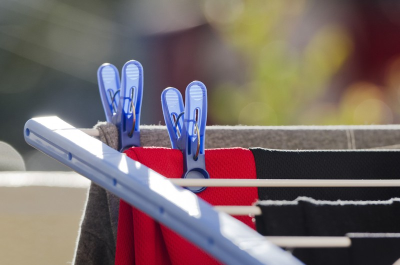 Textile clips help prevent holes in shirts.