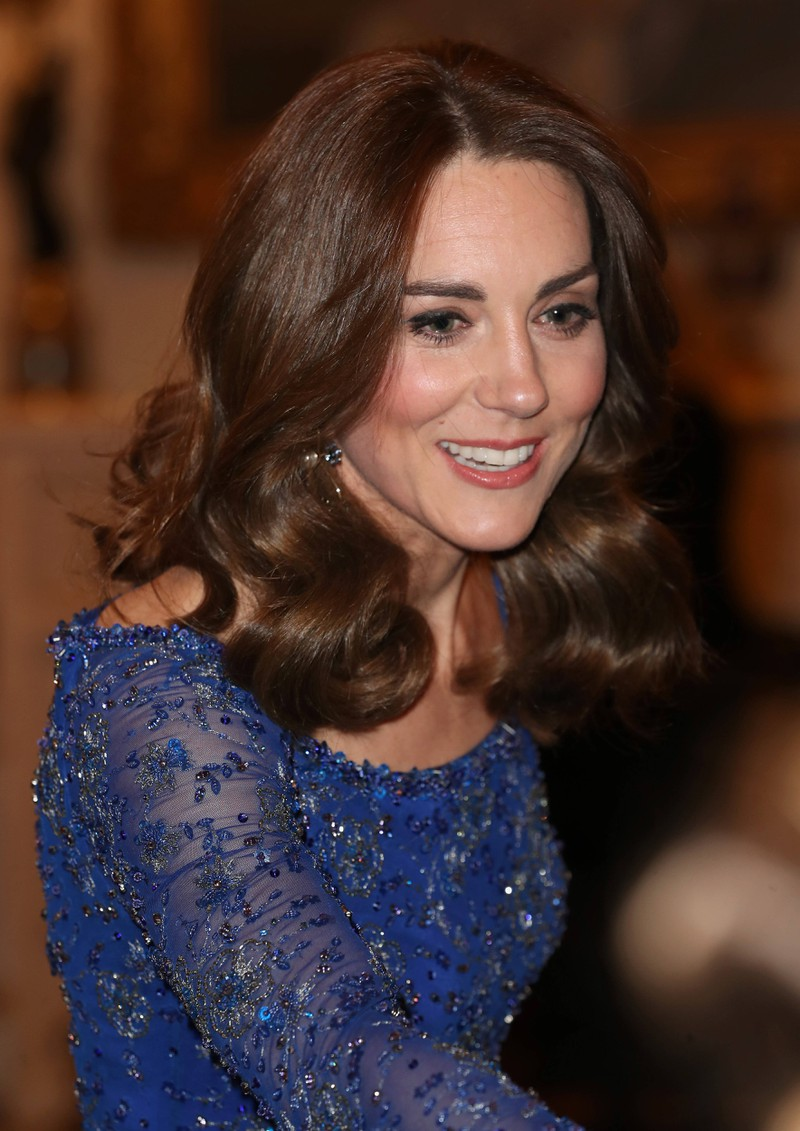 We often see Kate Middleton wearing skintight dresses but we never see any bra straps.