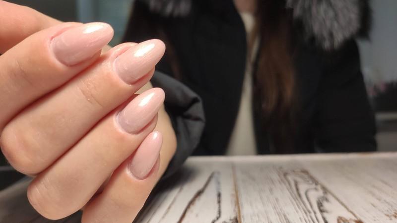 A nail polish remover machine removes gel nail polish gently.