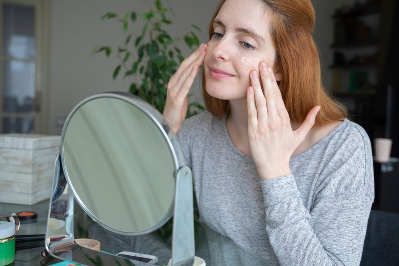 Cortisone creams are supposed to help against acne developing from wearing a face mask.