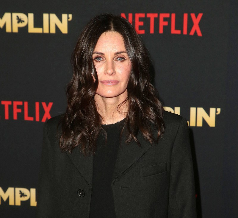 Courteney Cox had too much plastic surgery.