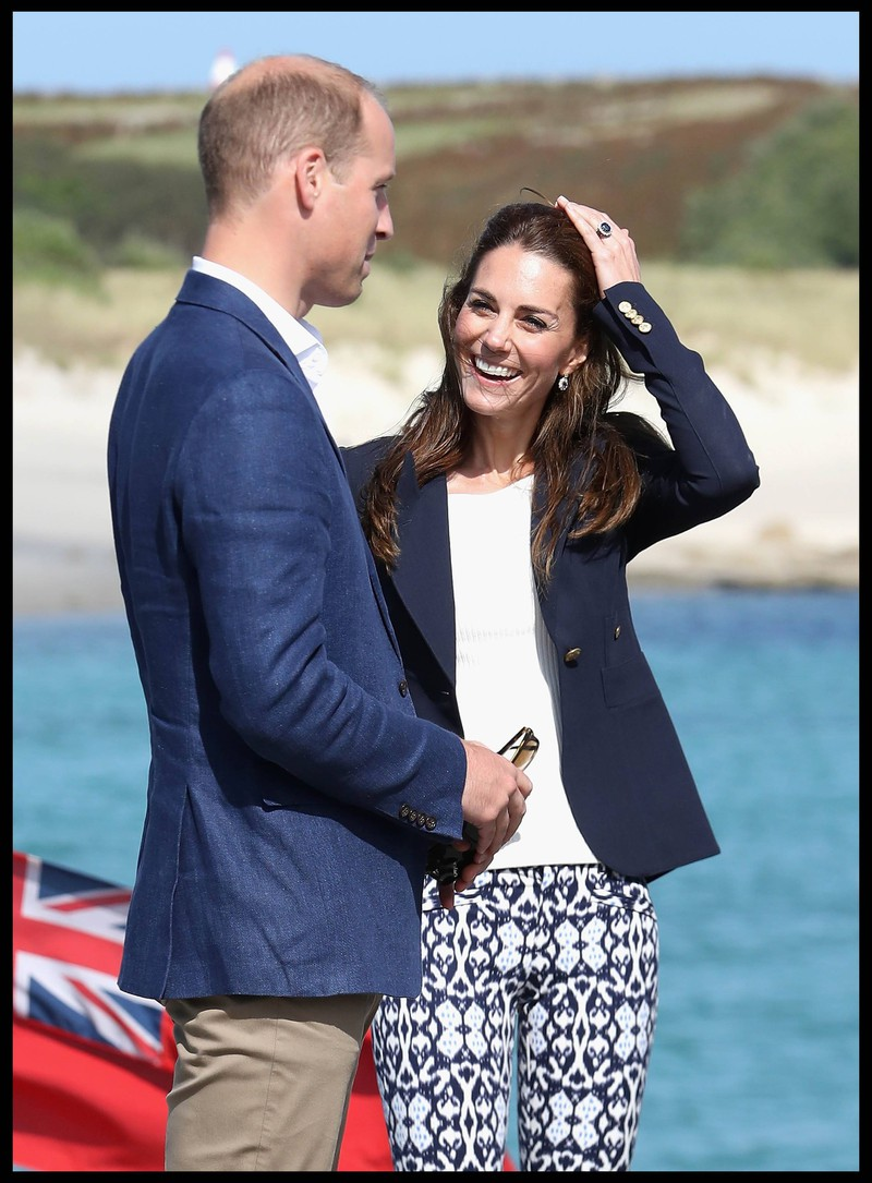 Kate and her husband Prince William are always well dressed.