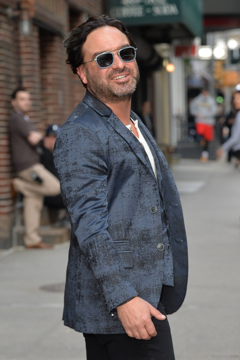 Johnny Galecki looks very different from his character in TBBT.