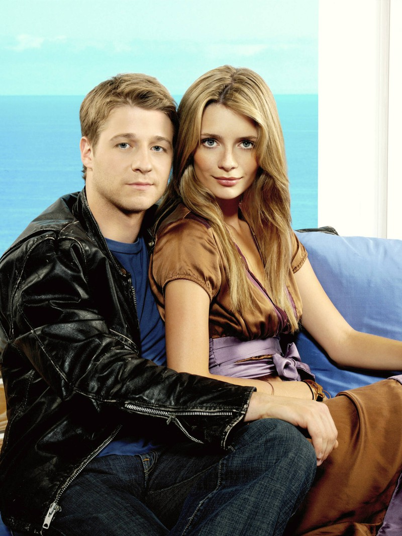 On the show Mischa Barton and Ben McKenzie were the perfect couple.