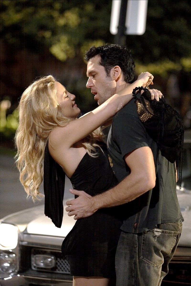 Dane Cook made a bad joke about Kate Hudson's kisses.