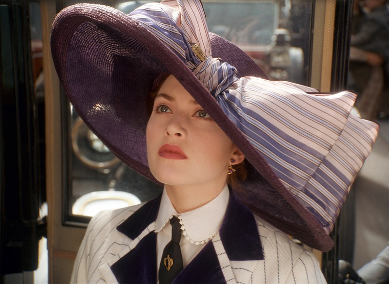 """In """"Titanic"""", Rose's mole is on the left cheek first, but later on it jumps to her right cheek."""