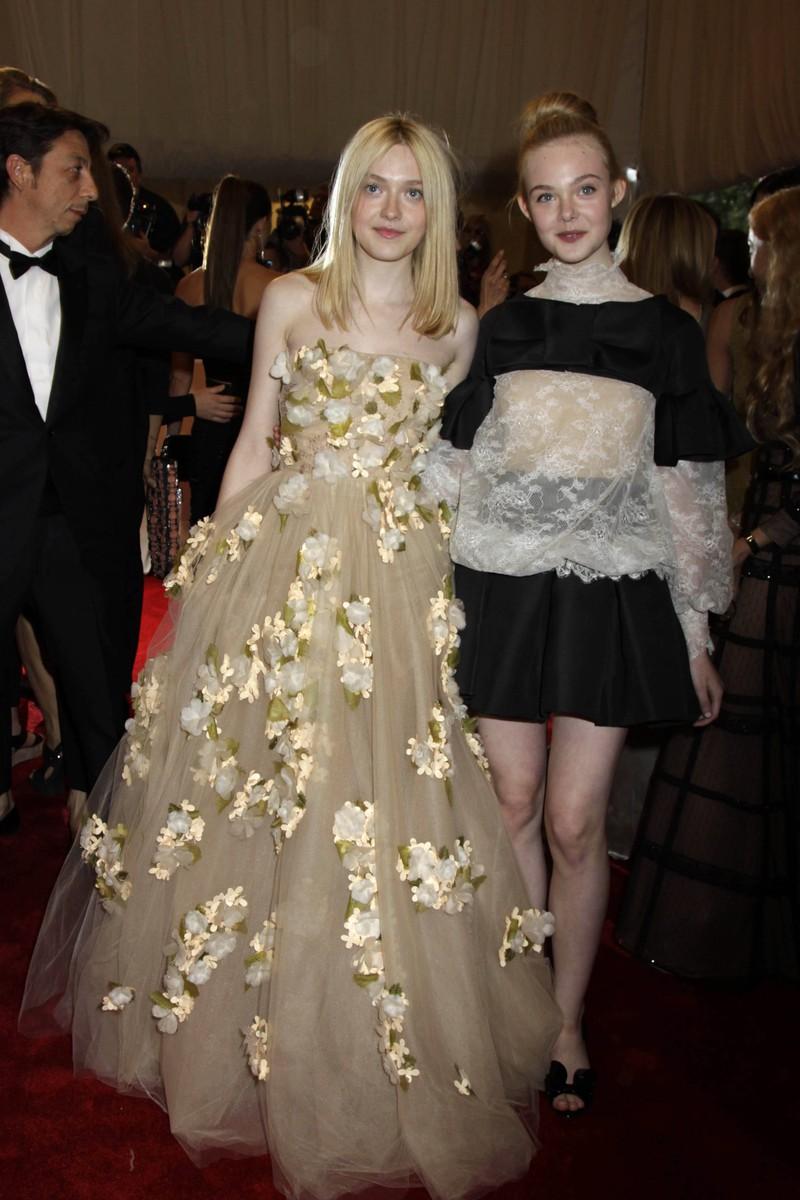 Elle and Dakota Fanning are descendent of Edward III.