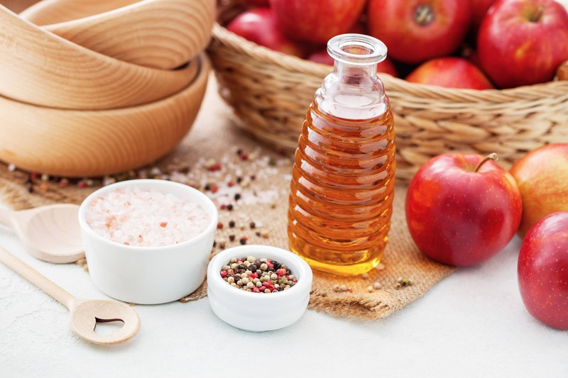 Apple cider vinegar can also be used by women for intimate odour