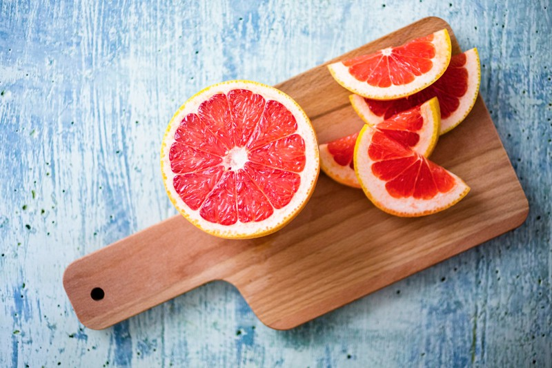 Citrus fruits are rich in vitamin C and therefore help women suffering from intimate odour.