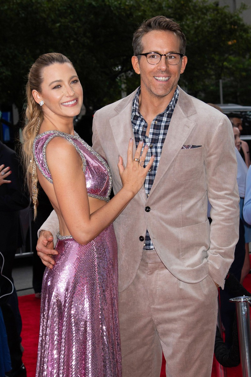 Blake Lively and Ryan Reynolds hardly show their age difference.